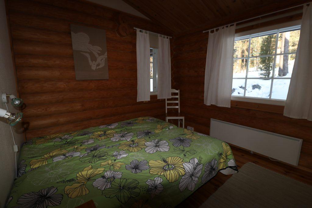 Lahukka bedroom2