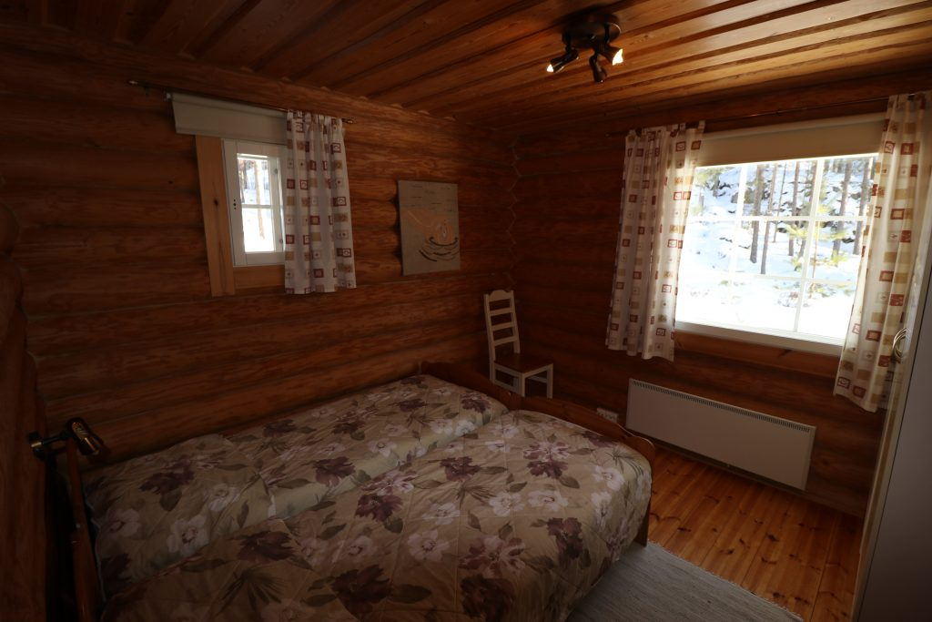 Lahukka bedroom1